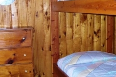 twin-bed-cabin-1-cs