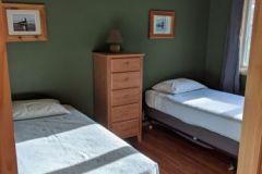 C12-Twin-Bedroom