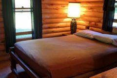 C16-Queen-Bedroom-North