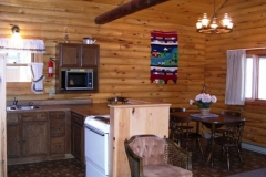 dining-room-and-kitchen-cabin-3-cs