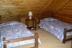 twin-bed-cabin-3-cs