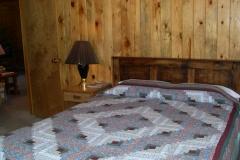 Cabin 5 Queen Bd 2
